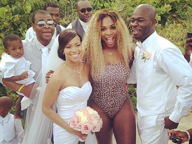 FOTOGALERÍA: Serena Williams aparece en bikini en una boda