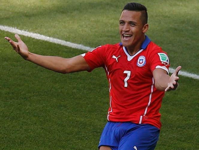 El chileno firmó un contrato de, aparentemente, cuatro campañas y con un salario aproximado de 6.2 millones de euros (Reuters)