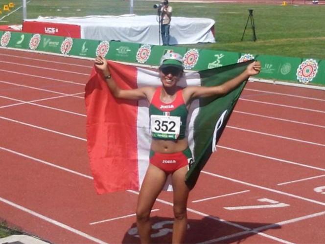 El oro se lo adjudicó con un tiempo de 35:54.44 minutos, mientras que Kathya García cruzó la meta en 36:23.32 para adjudicarse la plata. (Foto tomada de @COM_Mexico)