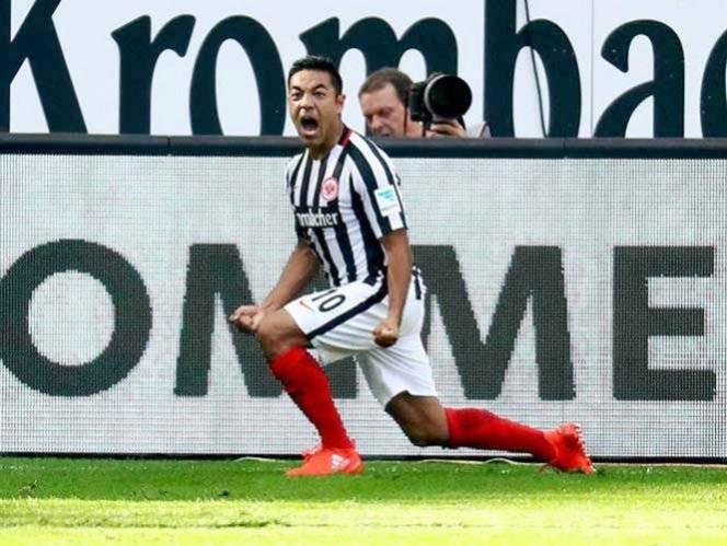 Doblete de Chicharito en triunfo del Leverkusen sobre el Frankfurt