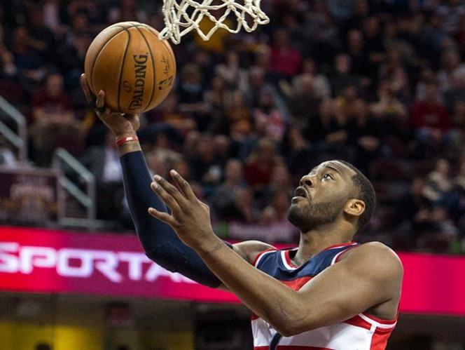 Wall anota 37, Wizards ganan en Cleveland