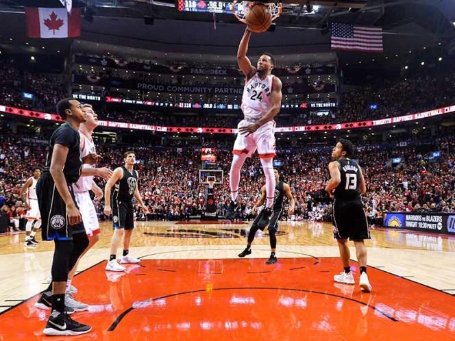 NBA: Warriors, con Curry soberbio, pasan a semifinales con 4-0