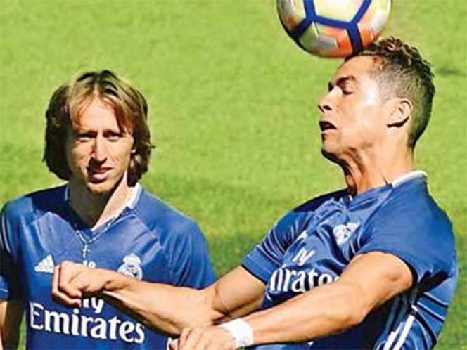 Golea Real Madrid y acaricia el título de Liga