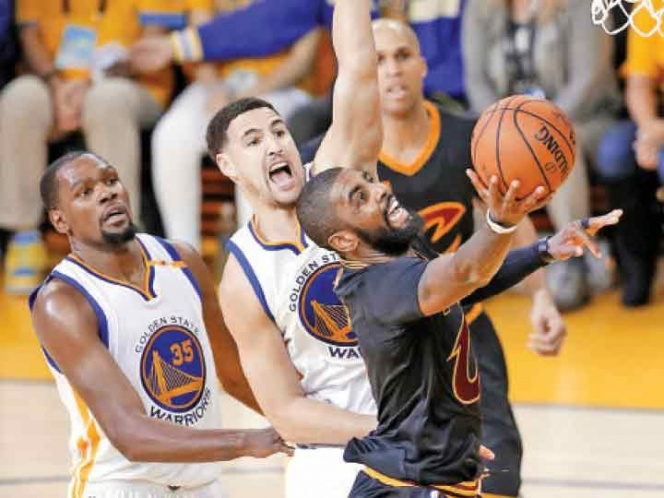 LeBron y Cavs cortan racha de triunfos en playoffs de Warriors