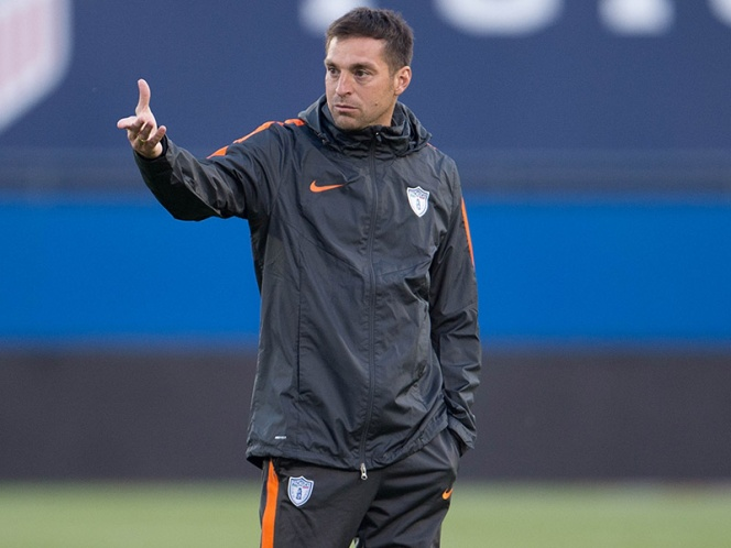 PSV oficializa fichaje del Chucky Lozano