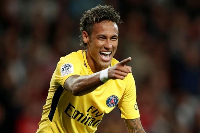 Mientras el Barça era humillado, el PSG presumió a sonriente Neymar