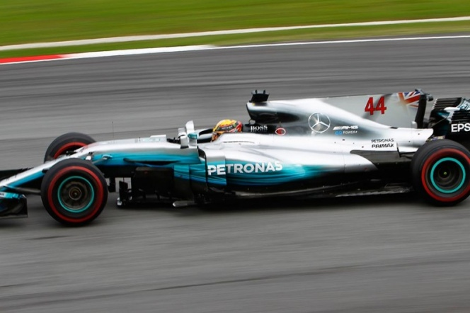 Verstappen ganó en Malasia y Hamilton se aleja como líder