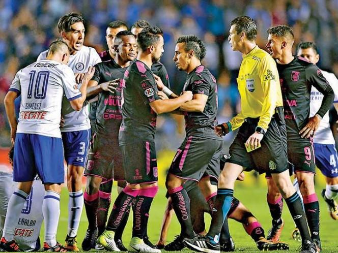 Doblete de Furch al ganar Santos