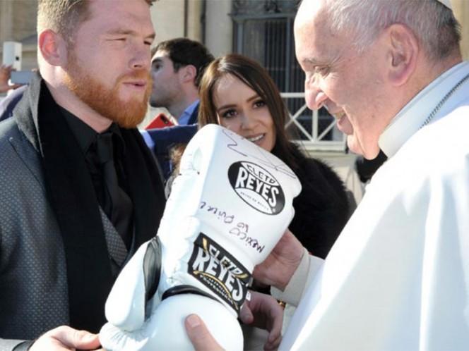 'Canelo' Álvarez visita en el vaticano al Papa Francisco