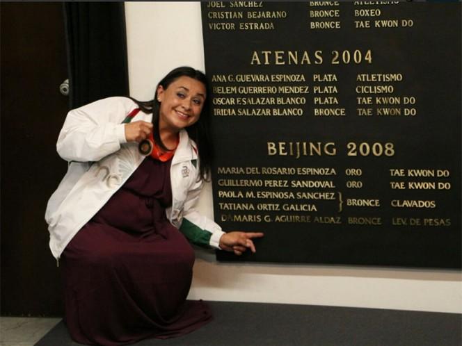 Damaris Aguirre presume su condición de medallista olímpica