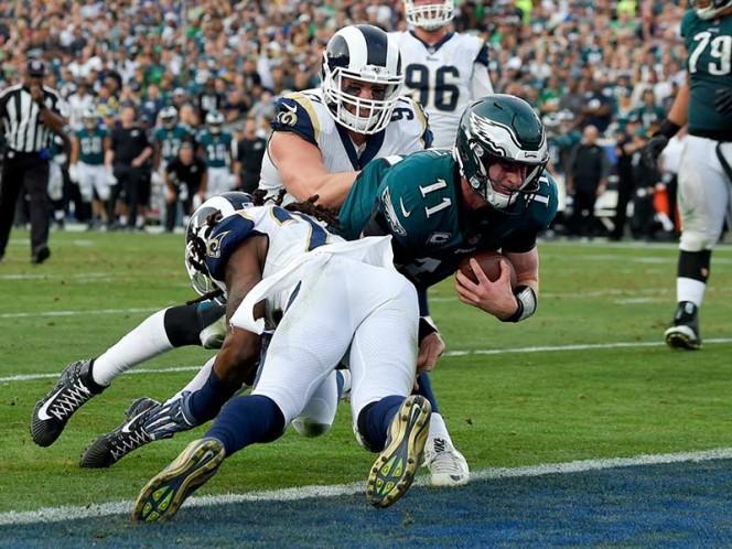 Lesión de rodilla le corta 'alas' a Carson Wentz ya los Eagles