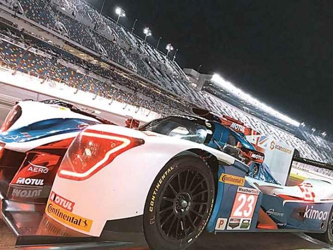 Fernando Alonso debuta en 24 horas de Daytona