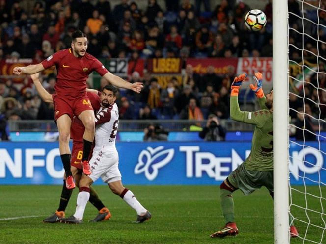 La Roma golea y se afianza tercero