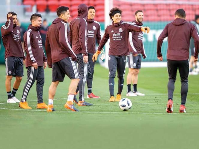 México golea a Islandia con doblete de Miguel Layún
