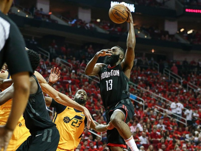 Jazz sorprende a Rockets de Houston