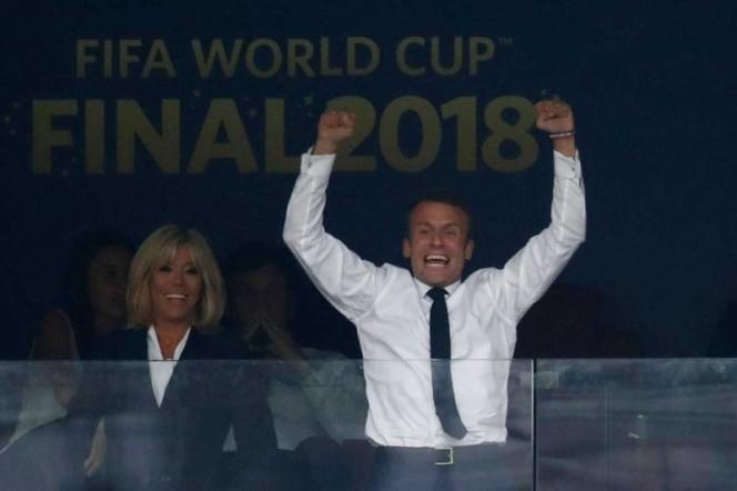 Presidente de Croacia paga con su sueldo viaje a Rusia — Humildad