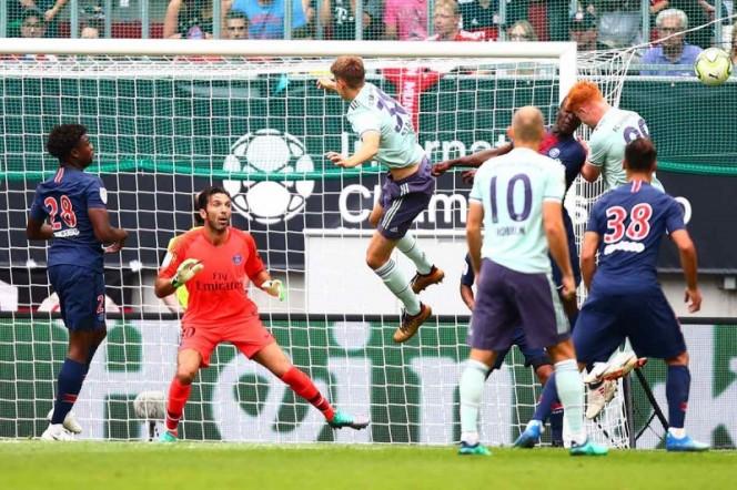 Gianluigi Buffon debuta con el PSG en derrota ante el Bayern Múnich