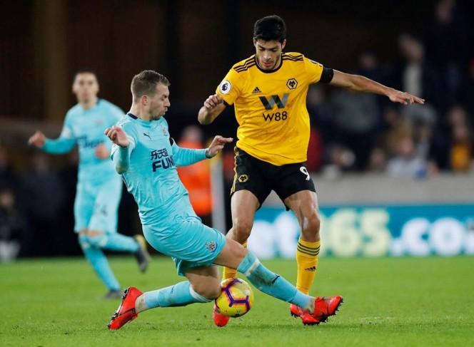 Wolverhampton y Raúl Jiménez sacan agónico empate frente a Newcastle