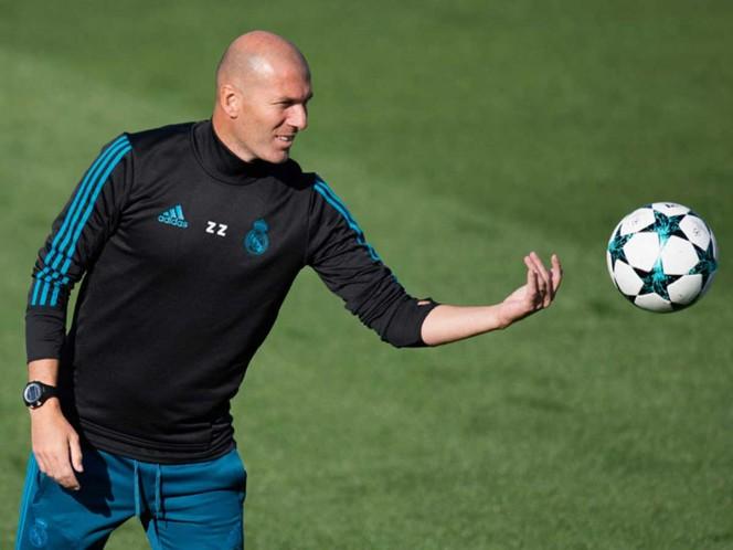 La directiva del Real Madrid alista el regreso de Zinedine Zidane al banquillo merengue. Foto archivo: AP
