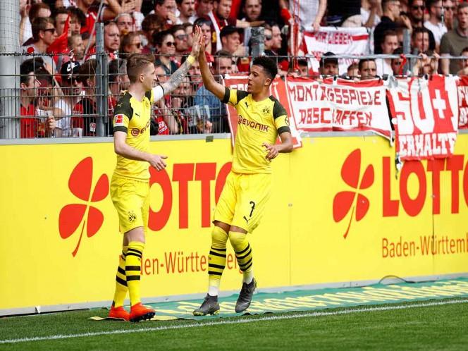 El Dortmund sigue peleando por la Bundesliga