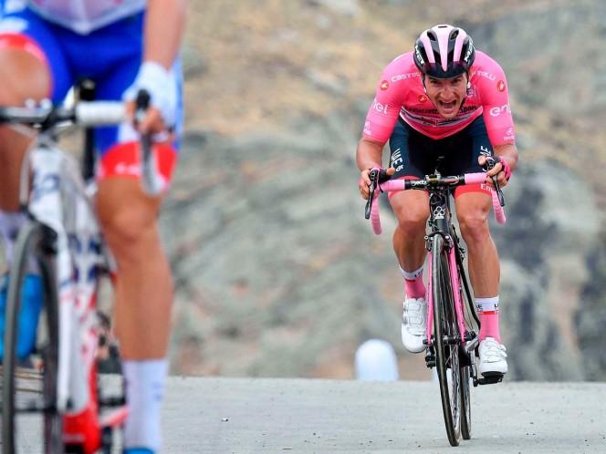 Zakarin se fuga en la montaña del Giro