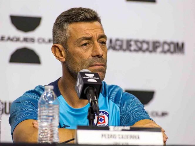 Pedro Caixinha no se preocupa por Ibrahimovic