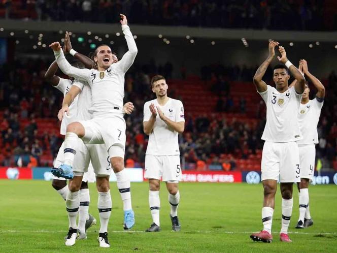 Francia amarra el liderato de su grupo en Albania