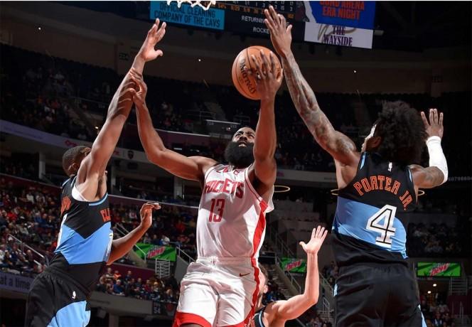 Harden tiene noche memorable en triunfo de los Rockets