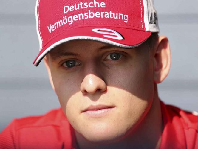Emulando a su padre, Mick Schumacher gana en Monza en la F2