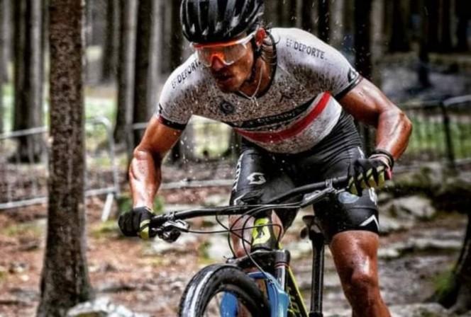 Mexicano Gerardo Ulloa gana Mundial de Ciclismo de Montaña en República Checa
