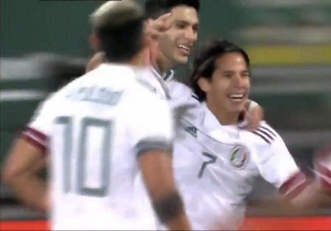 Diego Lainez salva al Tri de tropezar ante Argelia