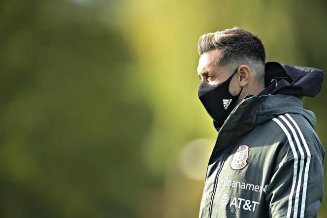 Gerardo Martino y el resto del cuerpo técnico y médico determinaron que Herrera volviera a España para continuar con su rehabilitación en Madrid. (@miseleccionmx)