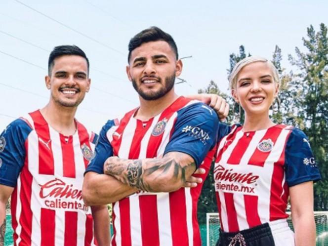 Chivas resalta la mexicanidad en nuevos uniformes