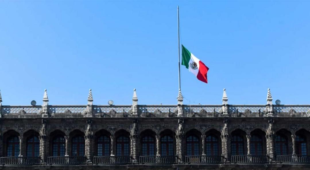 Izan bandera a media asta, México de luto tras accidente en Metro