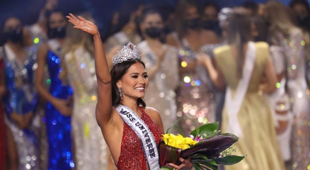 ¡La corona se queda en México! Andrea Meza gana Miss Universo