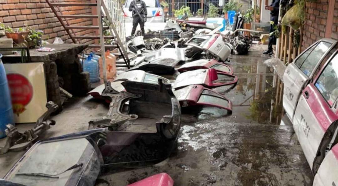 Catean predio en Magdalena Contreras ligado a robo y desmantelamiento de autos