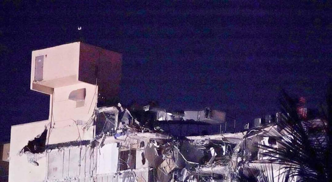 Se derrumba parcialmente edificio en Miami Beach