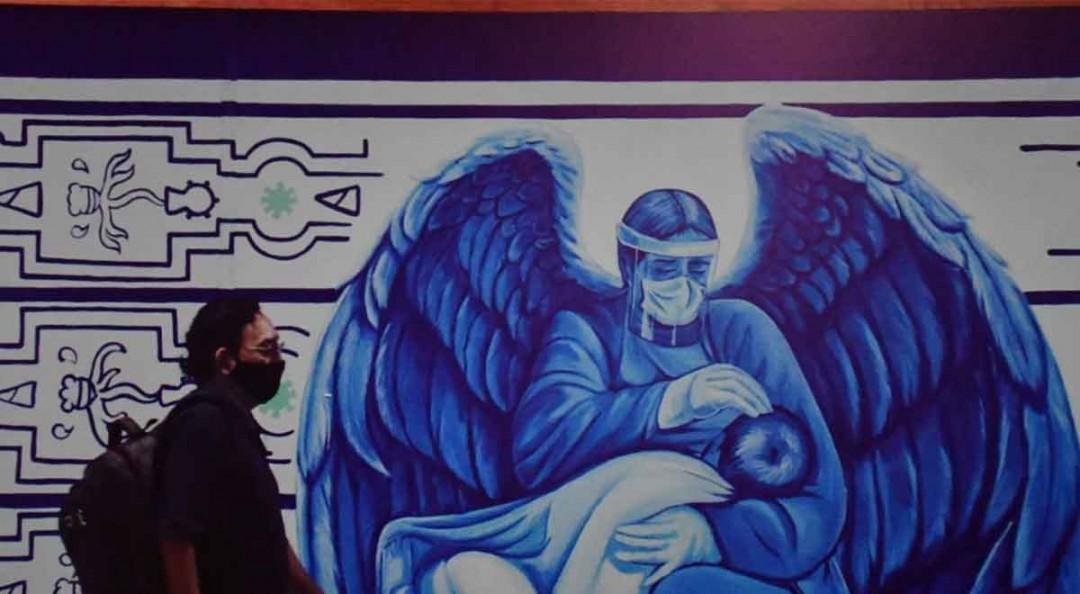 Rinden homenaje a médicos en el Metro La Raza