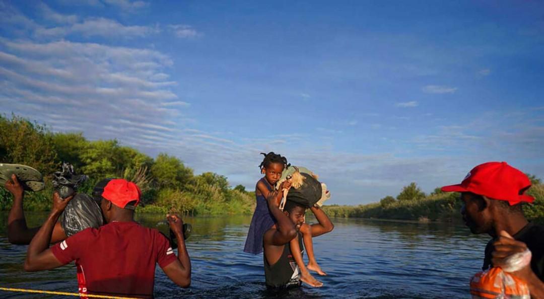 Image WhatsApp, entre las redes sociales que guían a migrantes haitianos a Texas
