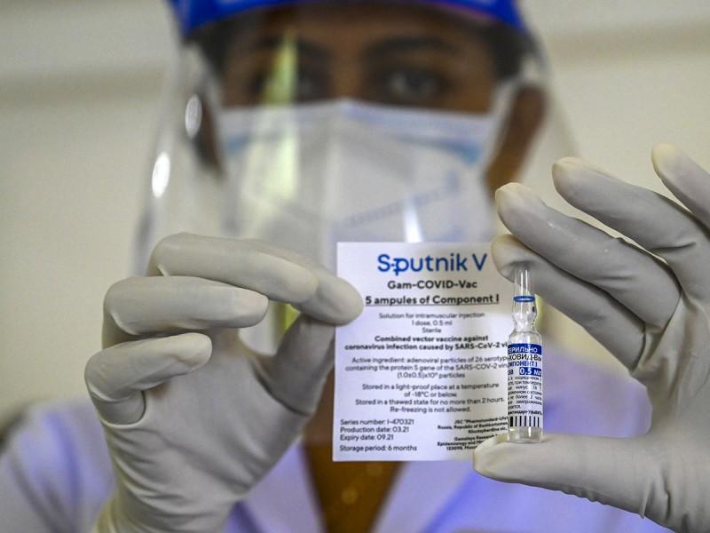 Piden a Cofepris autorizar uso de vacuna Sputnik Light