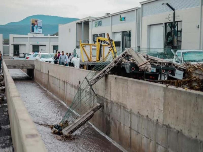 Lluvias arrastran autos y afectan casas en Querétaro | Excélsior