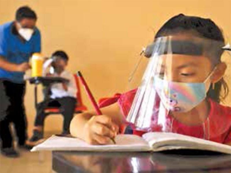 Nuevo León retomará clases presenciales en 25 municipios