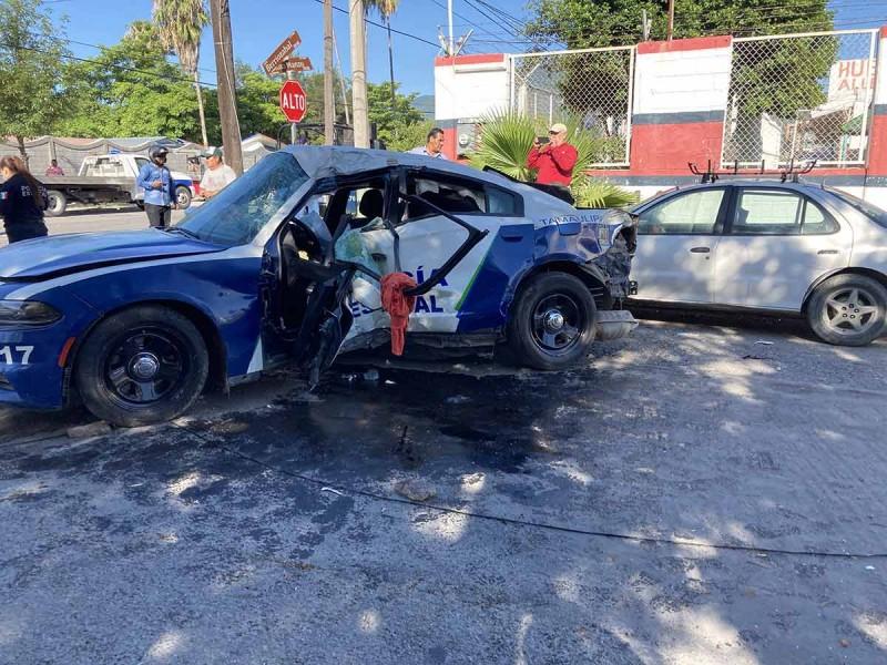 Policía acude a atender emergencia y muere por ir a exceso de velocidad