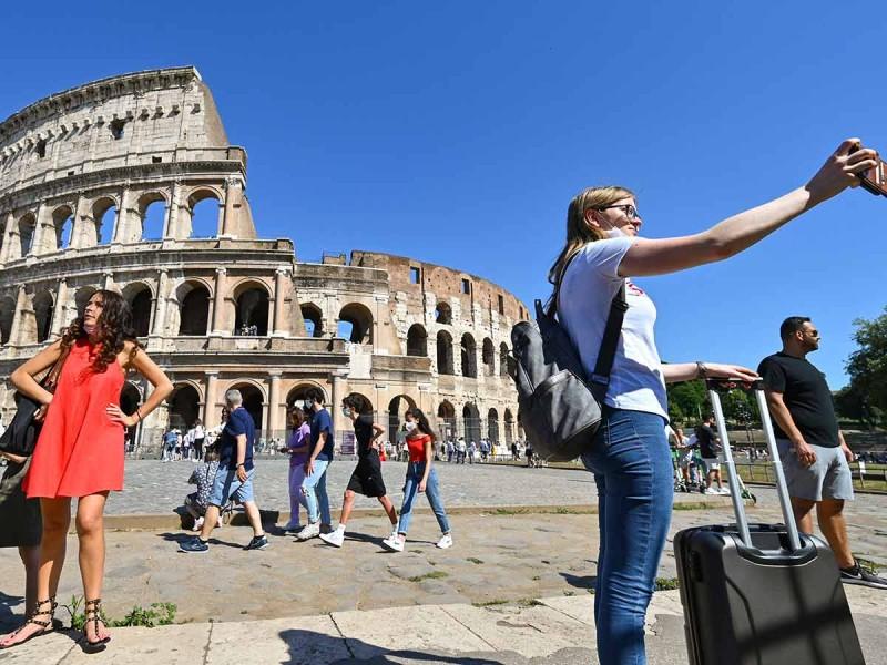 Cubrebocas. Italia dice adiós al cubrebocas a partir del 28 de junio