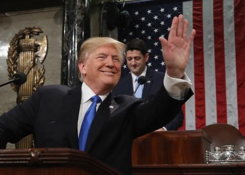 Trump pide muro a cambio de legalizar a 1.8 millones dreamers