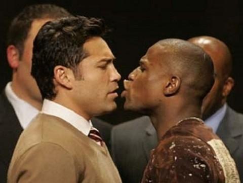 El boxeo está mejor sin ti, dice De la Hoya a Mayweather