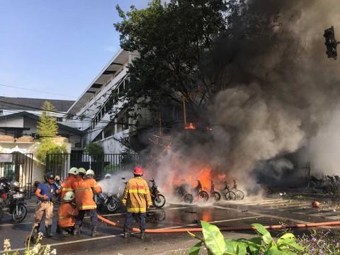 Van 13 muertos en Indonesia por ataques contra cristianos en iglesias