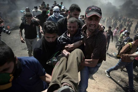 Arde Gaza por embajada de EU en Jerusalén, pero Trump ve 'gran día'