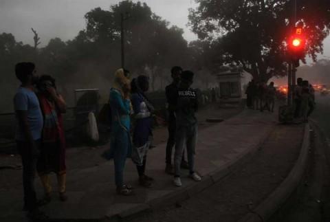 Tormentas barren India y dejan más de 200 muertos