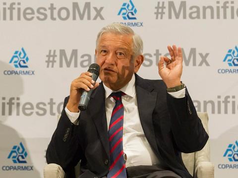 Burocracia y corrupción impide que mexicanos dejen la informalidad: AMLO